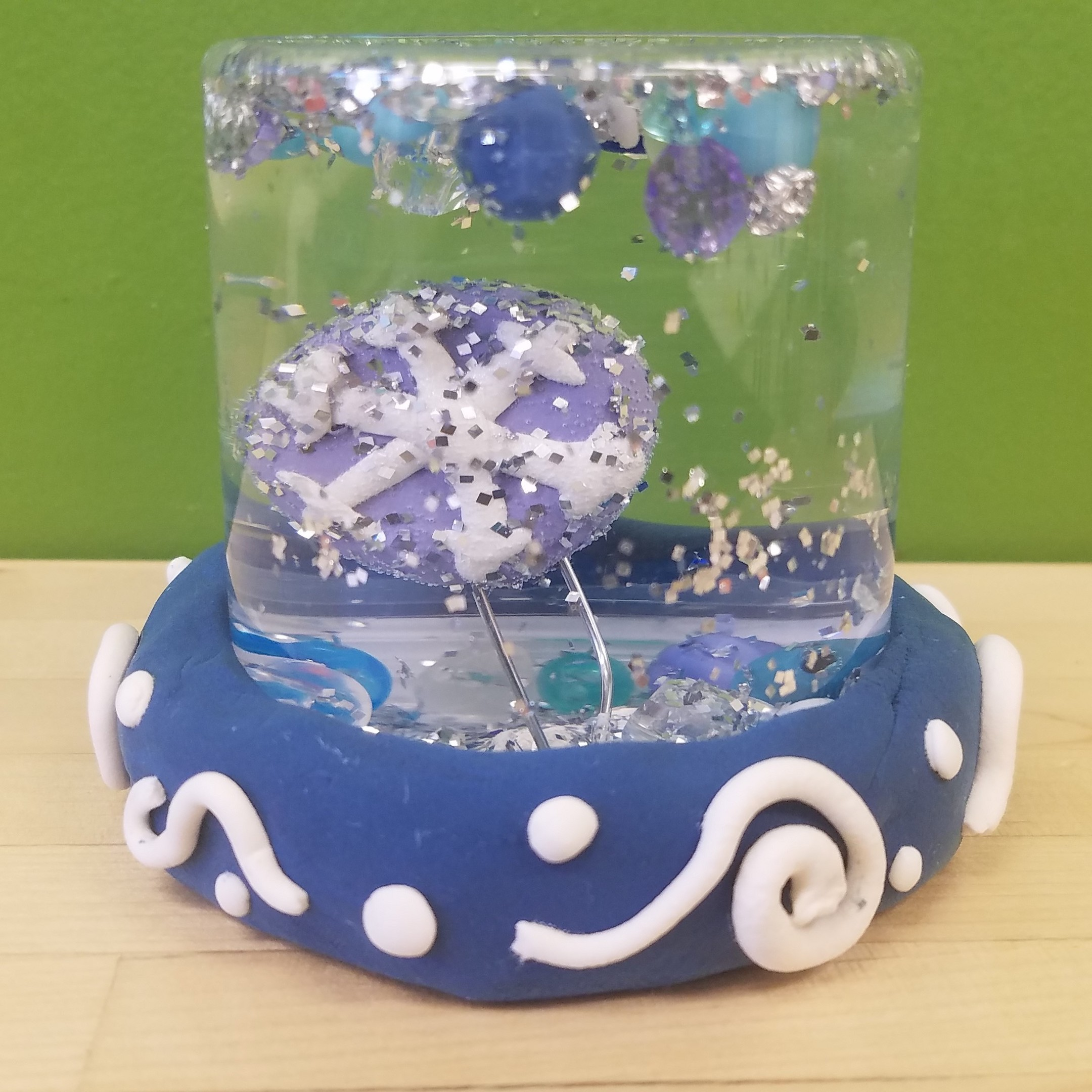 Kidcreate Studio, How to Make a Snow Globe Art Project