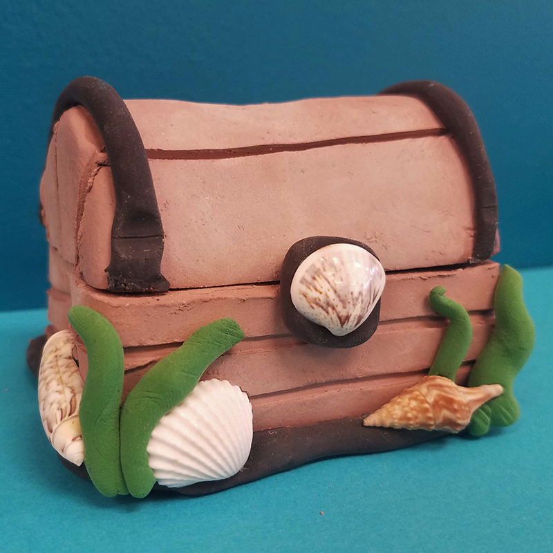 Kidcreate Studio, Sunken Treasure Chest Art Project